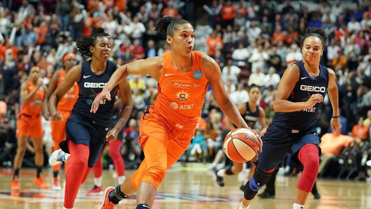 """""""Sun"""" pirmajā ceturtdaļā izsit korķus un panāk piekto spēli WNBA finālā"""