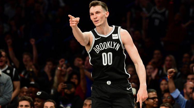 Kurucam deviņi punkti zaudējumā NBA karstākajai komandai