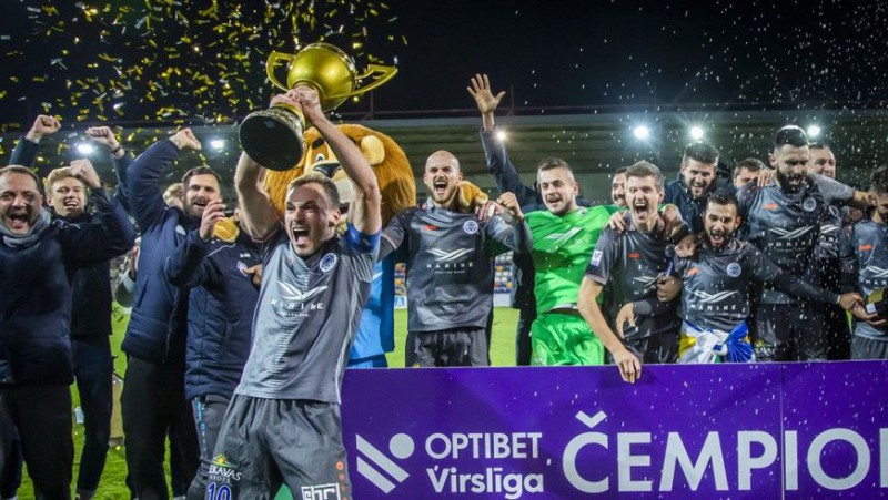 """""""Riga"""" derbijā iegūst nepieciešamo punktu un atkal triumfē Virslīgā"""