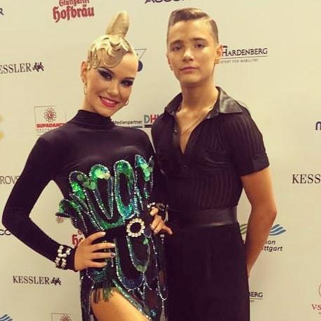 Latvijas junioru pāris iekļūst desmitniekā pasaules čempionātā Latīņamerikas dejās