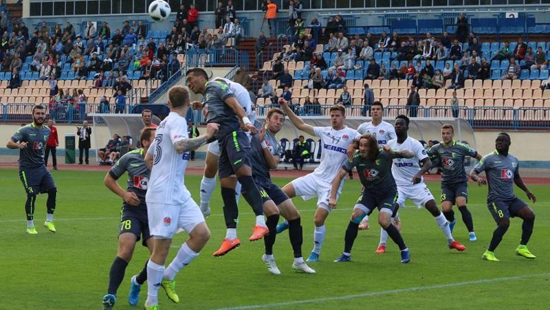 """Bez vairākiem spēlētājiem palikusī """"Torpedo-BelAZ"""" izskaņā zaudē Grodņā"""
