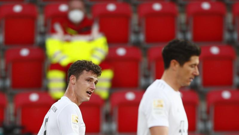 """Neklātienes cīņa: """"Bayern"""" uzņems """"Eintracht"""", Dortmunde viesosies Volfsburgā"""