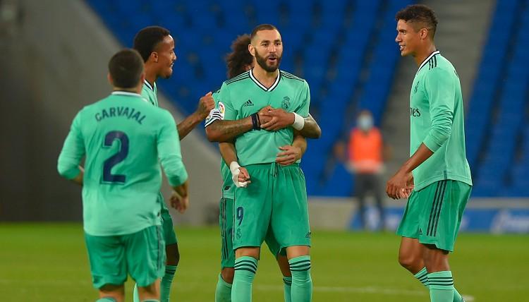 """Benzemā turpina sist iekšā vārtus, Madrides """"Real"""" apdzen Barselonu"""