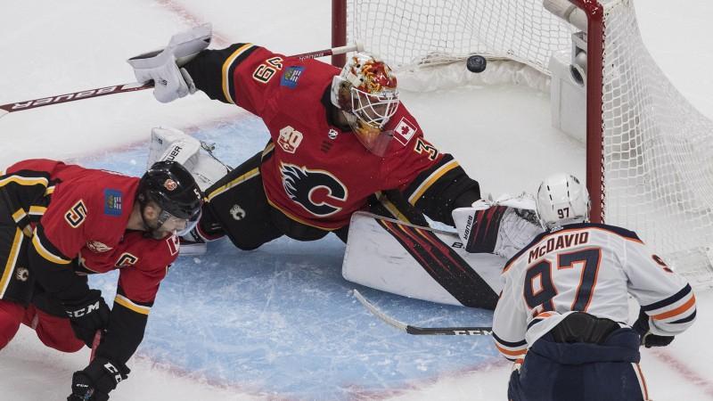 """Makdeividam divi vārti, savā laukumā kanādiešu duelī uzvar arī """"Maple Leafs"""""""