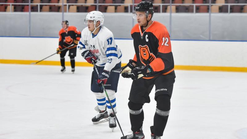 Artūram Ozoliņam pārtrūkst rezultativitātes sērija VHL, Bičevskim neveiksme Čehijā