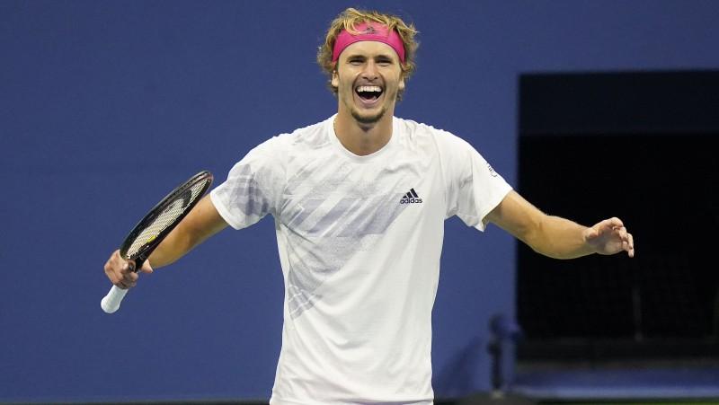 """Zverevs pirmoreiz uzvar no 0:2, """"US Open"""" finālā sacentīsies ar Tīmu"""