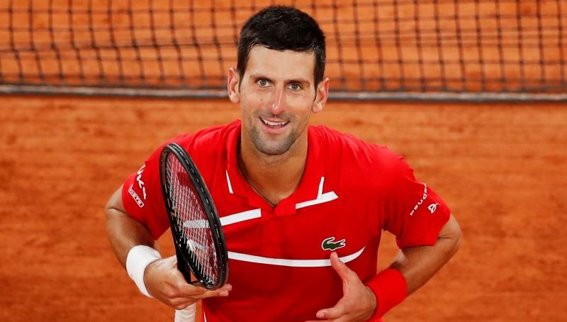 """Džokovičs bez zaudētiem setiem sasniedz """"French Open"""" ceturtdaļfinālu"""