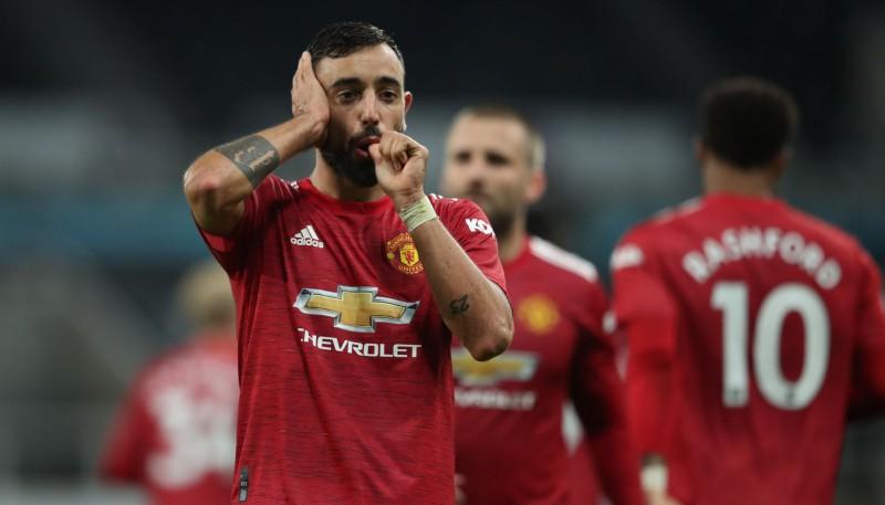"""""""United"""" mača izskaņā trīs vārti, Fernandišam lielisks vārtu guvums"""