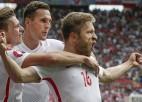Polija <i>pendelēs</i> pārspēj Šveici un pirmā iekļūst 1/4 finālā