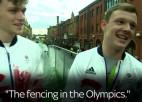 Video: Viltnieki parādē uzdodas par olimpiskajiem medaļniekiem
