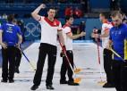 Švarca labākais metiens turnīrā atnes Šveicei uzvaru pār Zviedriju