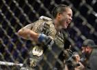 UFC jubilejas šovā divu svara kategoriju čempiones uznāciens