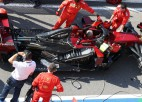 """""""Mercedes"""" problēmas ar jauno dzinēju, """"Ferrari"""" paziņo prezentācijas datumu"""