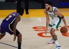 """Kurucs """"Bucks"""" uzvarā nespēlē; NBA <i>klasikā</i> """"Celtics"""" uzvar """"Lakers"""""""