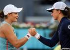 """Bārtija pēdējo divu """"French Open"""" uzvarētāju cīņā apspēlē Švjonteku"""