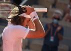 """Cicipass piecu setu cīņā pieveic Zverevu un pirmoreiz sasniedz """"Grand Slam"""" finālu"""