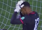Video: Haiti izlases vārtsargs spēlē pret dzimteni šokējošā veidā ielaiž savos vārtos