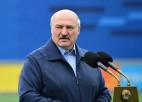 """Lukašenko: """"Ja jūsu acu priekšā ir zaļā vai rozā krāsa, nekad nekļūsiet par sportistiem"""""""