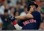 """""""Braves"""" izvirzās vadībā, """"Red Sox"""" izlīdzina sēriju"""