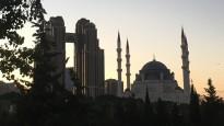 Blogs: mošejas un debesskrāpji, ēdiens un briti prātā