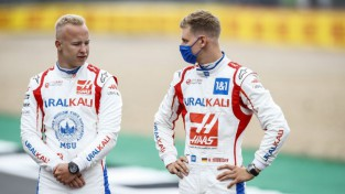 """F1 vājākā komanda """"Haas"""" arī nākamo sezonu uztic Šūmaheram un Mazepinam"""