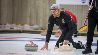 Vīriešu izlases tiek pie vienas uzvaras, titulu Tallinā izcīna šveicieši