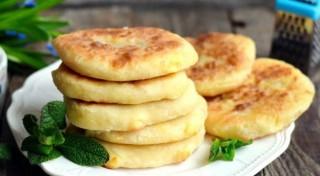 3 garšīgas biezpiena receptes brokastīm