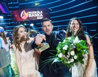 """Aptaujā """"Muzikālā banka 2020"""" uzvar Intars Busulis ar """"Dejo vientulību"""""""