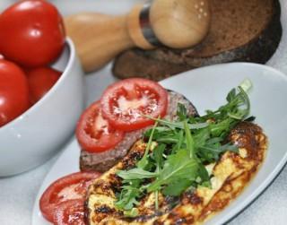 Omlete ar dārzeņiem un šampinjoniem