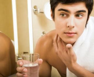 5 praktiski padomi efektīvai skūšanai ar skuvekli
