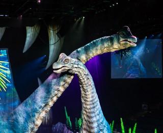Pastaiga ar dinozauriem – pasaulē lielākais dinozauru šovs rudenī atgriežas Rīgā