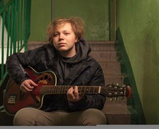 Video: Jauns vārds latviešu mūzikā - Edvards Strazdiņš