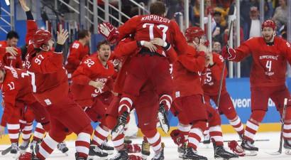 Olimpiskais trilleris: krievi izglābjas pēdējā minūtē un pagarinājumā iegūst zeltu