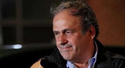 """Bijušais UEFA prezidents Platinī: """"UEFA un Superlīgas konflikts mani uzjautrina"""""""