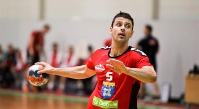 """Handbola Virslīgas turnīrs atsākas ar """"Tenax Dobele"""" pārliecinošu uzvaru"""