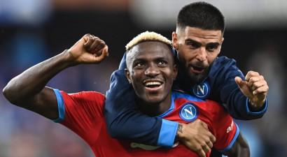 ''Napoli'' otrā graujošā uzvara pēc kārtas, ''Roma'' pārspēj ''Udinese''