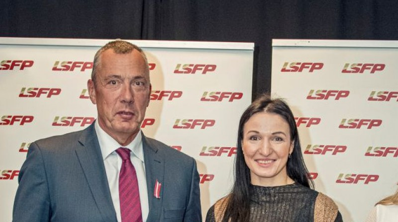LSFP vadītājs Einars Fogelis un cīkstone Anastasija Grigorjeva. Foto: lsfp.lv