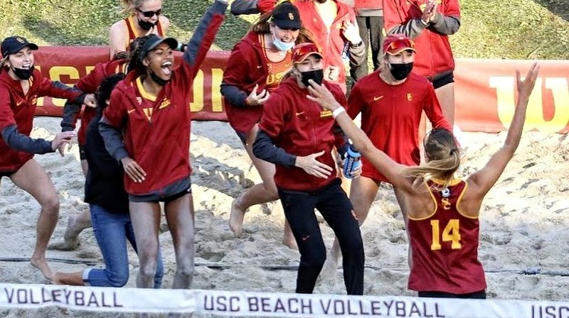 Foto: USC Beach Volleyball / @beachvolleyballtwins