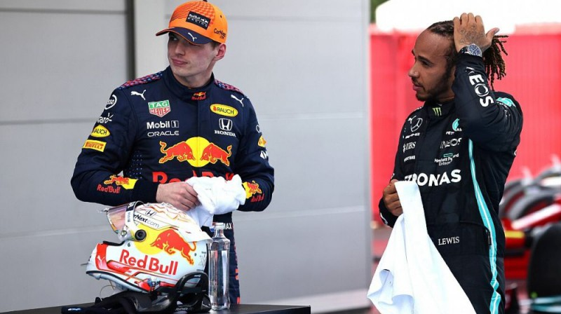 Makss Verstapens un Lūiss Hamiltons. Foto: Motorsport.com