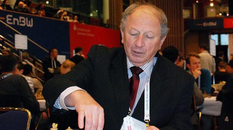 Jevgēņijs Svešņikovs Latvijas izlases sastāvā 2008.gada šaha olimpiādē Drēzdenē. Foto: sahafederacija.lv