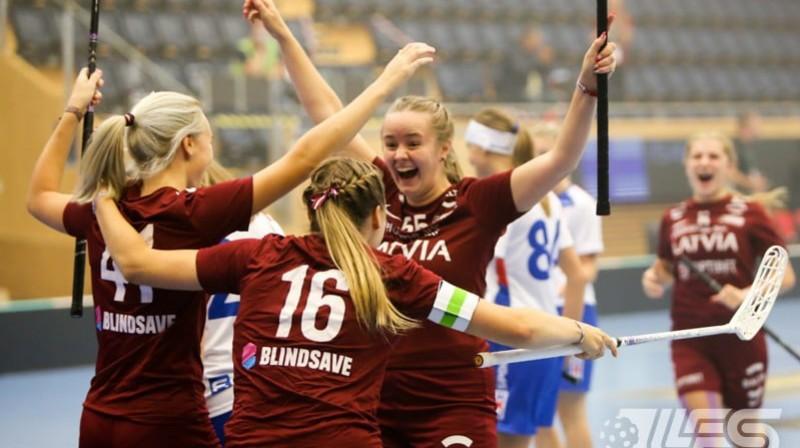 Latvijas sieviešu izlase. Foto: Ritvars Raits, floorball.lv