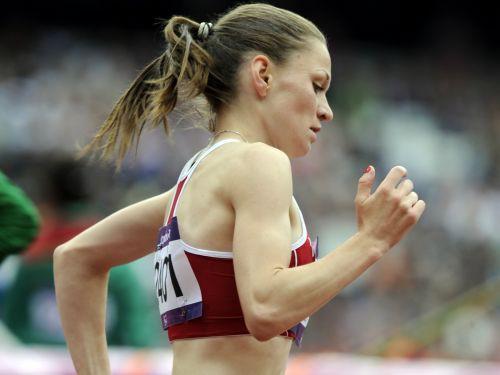 Jeļizarova atkal labo Latvijas rekordu un iekļūst finālā