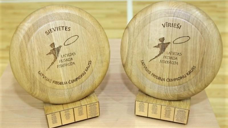 Salaspilī skaidros Latvijas telpu frisbija jaunos čempionus