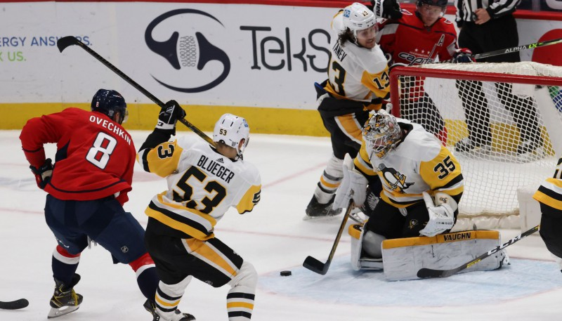 """Bļugeram lielākais spēles laiks šosezon, """"Penguins"""" piekāpjas """"Capitals"""""""