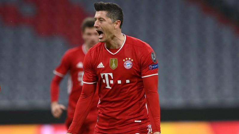 """Levandovskis iesit septīto spēli pēc kārtas, """"Bayern"""" nokārto formalitātes"""