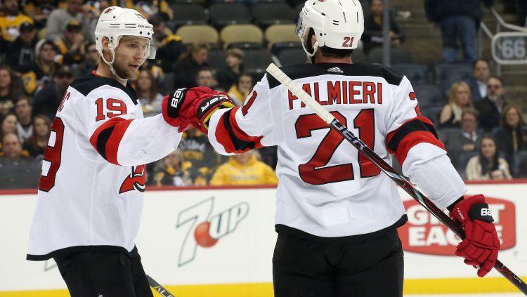 """""""Devils"""" aizmaina uzbrucējus Palmjeri un Zeidžaku uz """"Islanders"""""""