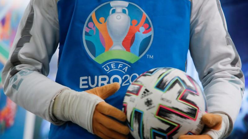 """Oficiāli: UEFA pārceļ """"Euro 2020"""" spēles uz Sevilju un Sanktpēterburgu"""