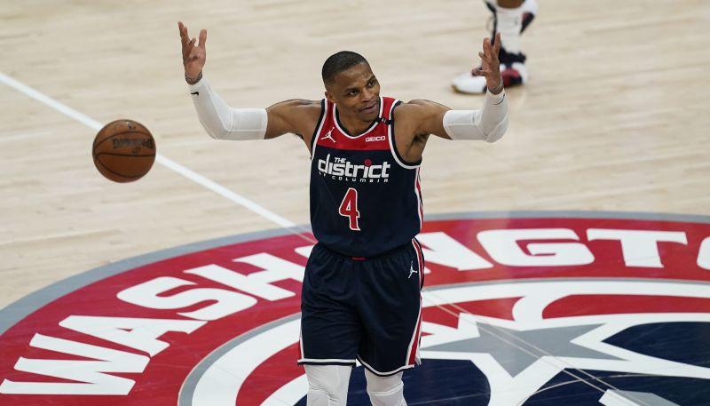 """""""Wizards"""" galvenais treneris Brūks: """"Vestbruks ir otrais visu laiku labākais saspēles vadītājs"""""""