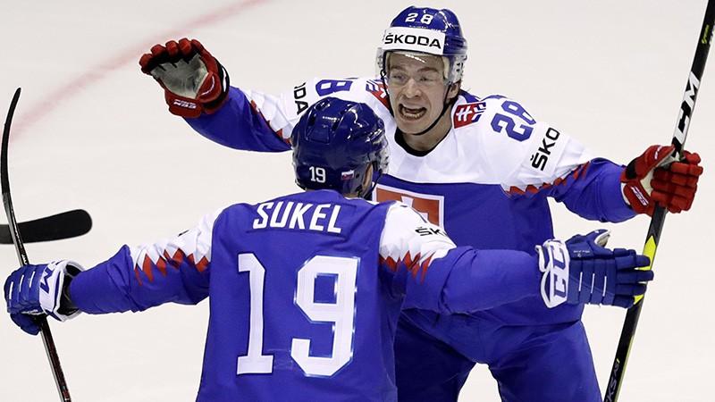 Slovākijas izlase uz PČ paņem divus nepilngadīgus hokejistus
