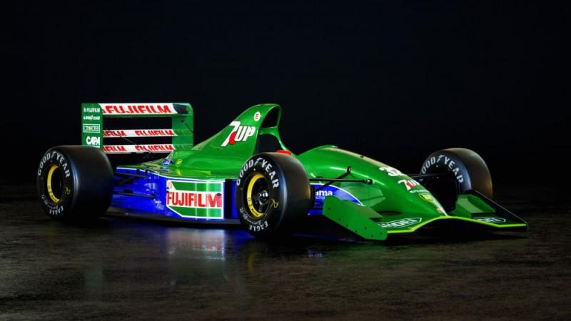 Pārdošanā par pusotru miljonu nonāk Šūmahera pirmā F1 mašīna